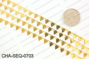 Dangle triangle sequin chain 6x7mm, gold CHA-SEQ-0703