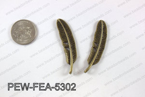 Pewter feather 12x53mm, brass PEW-FEA-5302