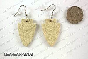 Leather arrow earrings 37x24mm LEA-EAR-3703