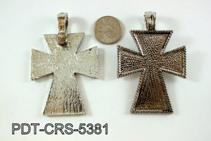 Metal Cross Pendant 43x66mm with magnetic connector PDT-CRS-5381